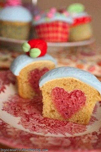 آموزش طرز تهیه مدل کیک سوپرایز برای روز عشق ولنتاین