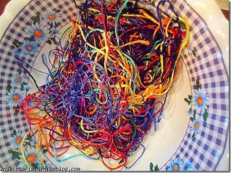 رنگ کردن تخم مرغ با نخ های رنگی تخم تزیین مرغ هفت سین تخم مرغ