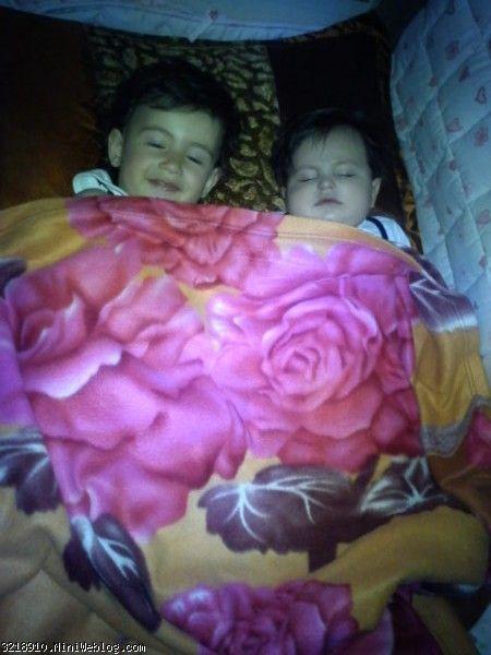 سارا خوابه با ماهان مثلا