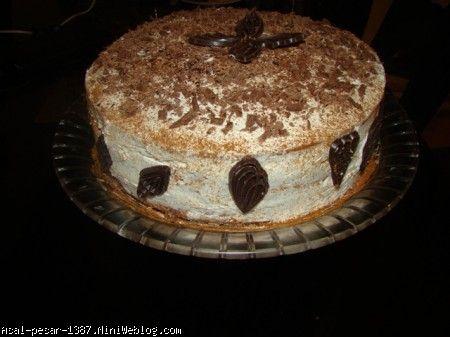 کیک تولد دست