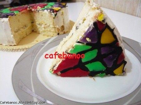 کیک پنجره با شیشه های رنگی
