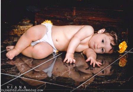 کودک زیبا ویانا