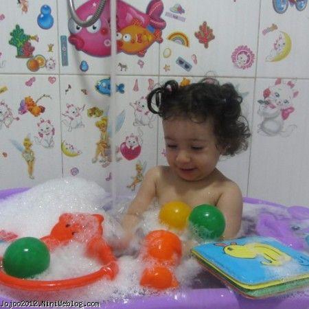 حمام کردن نوزاد ویانا