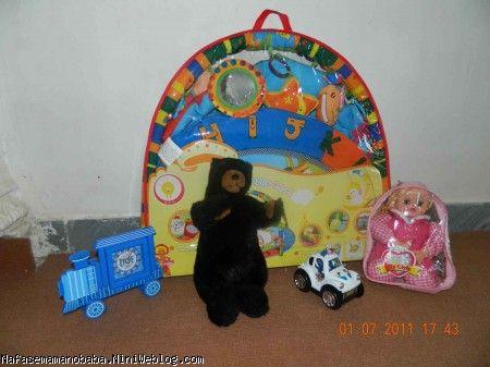 تشک بازی،ماشین،ساعت رومیزی و عروسک پینگیل