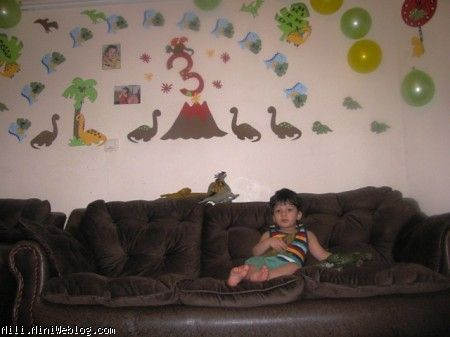 پسرم آماده برای آغاز جشن