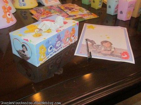 جعبه دستمال کاغذی و برگه یادگاری